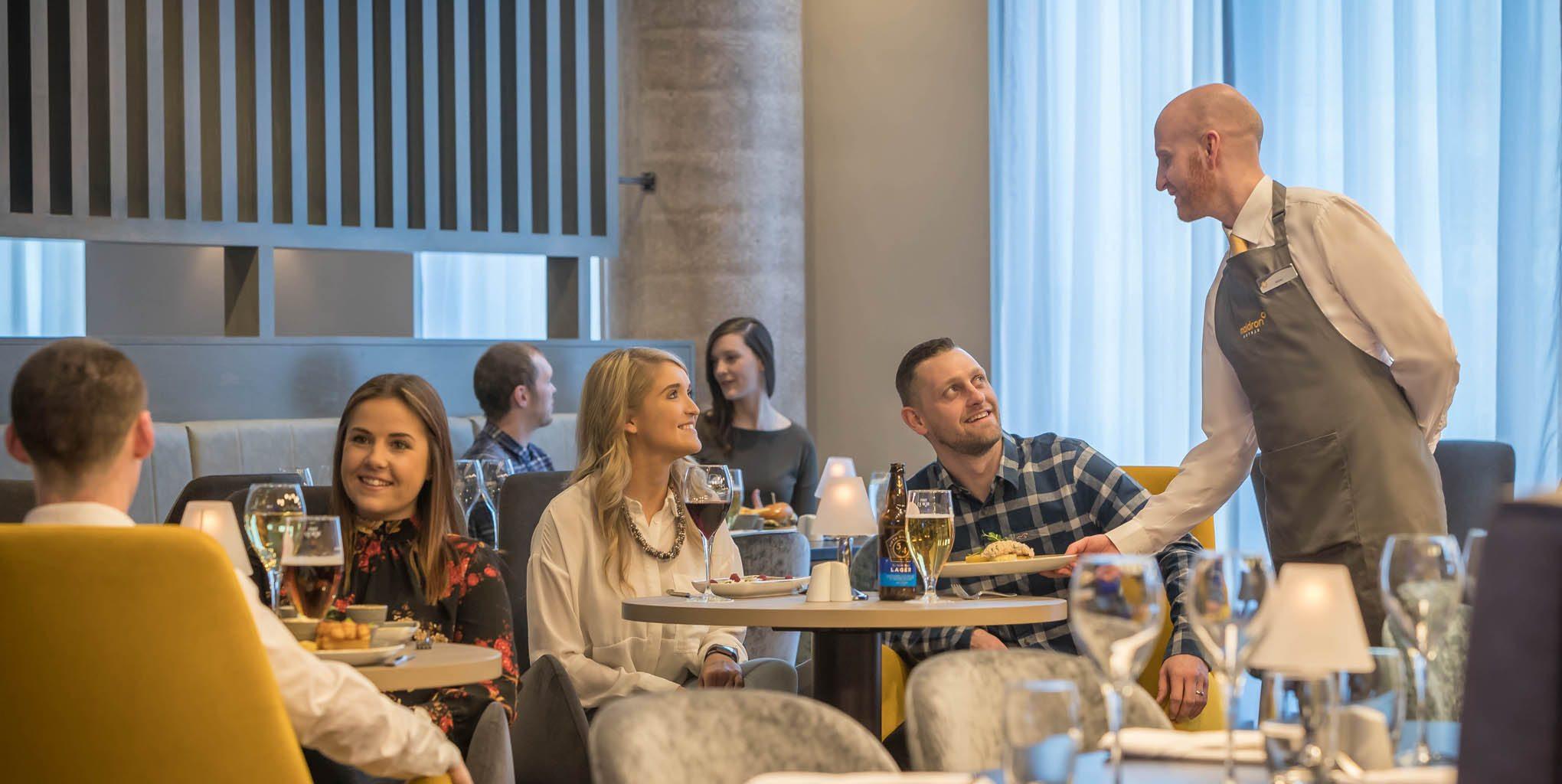 speed dating belfast nordirland skriver stor online dating profil
